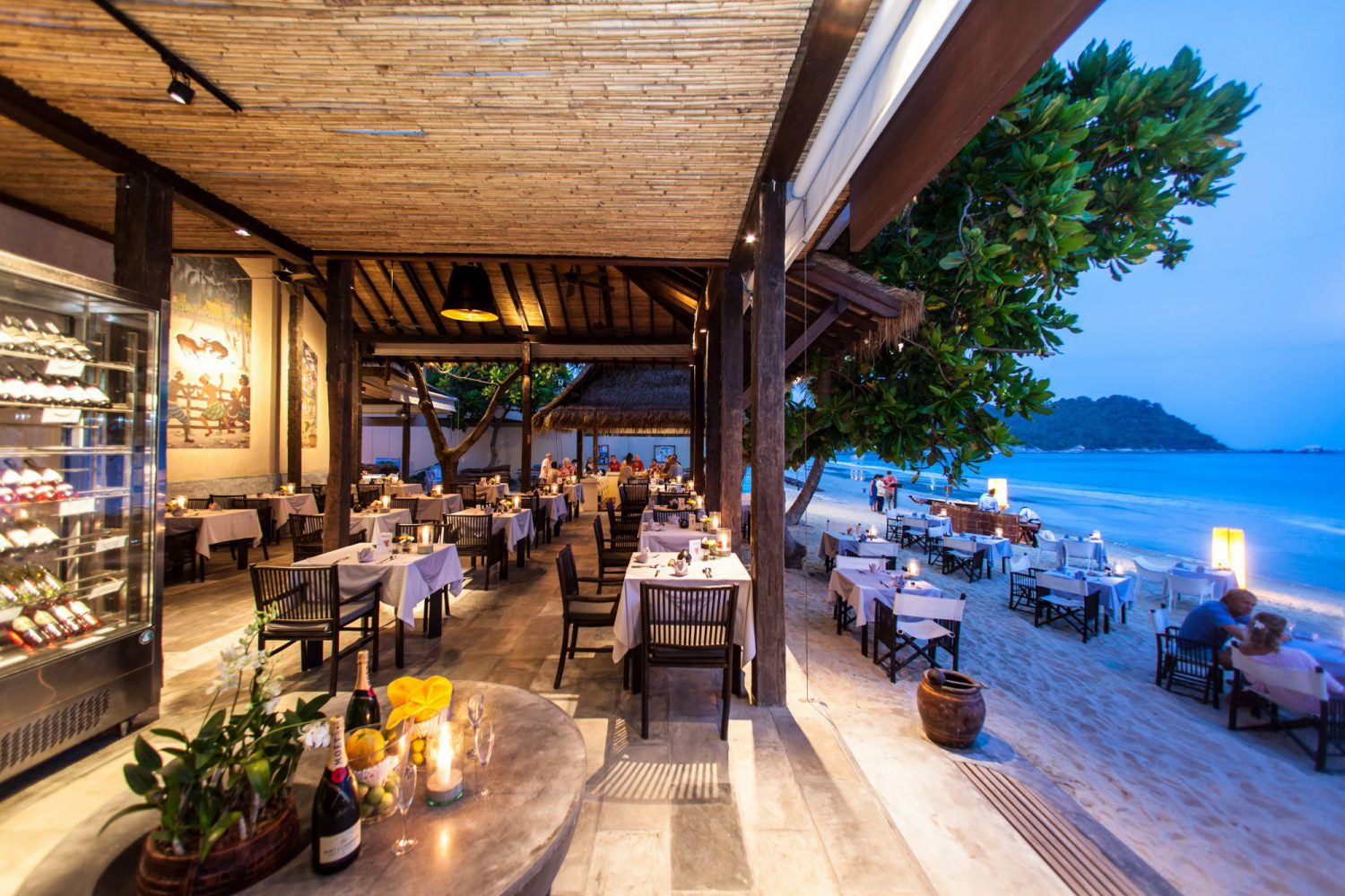 feet in the sand dining experience Koh Phangan