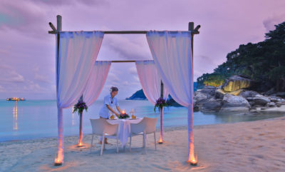 feet in the sand dining experience Phangan island