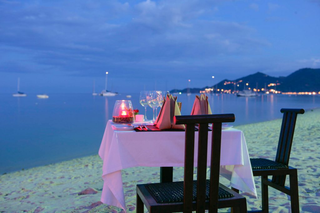 beach dinner Samui